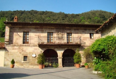 Casona de la Salceda - Treceño, Cantabria