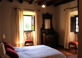 Habitación con cama de matrimonio e inmejorables vistas
