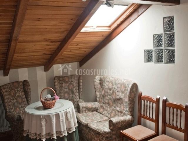 Casa mudayyan en coca de alba salamanca for Sala de estar noche