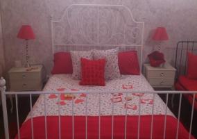 Dormitorio adornado en San Valentín