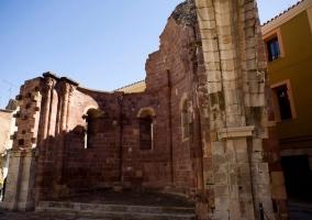 Zona de la antigua iglesia en ruinas