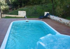 Vista general con piscina