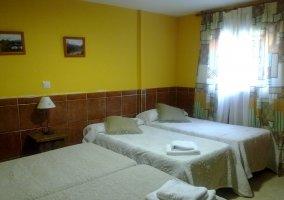 Habitacion 4 camas y baño comp