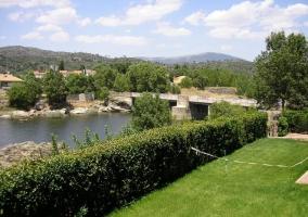 Terraza junto al río