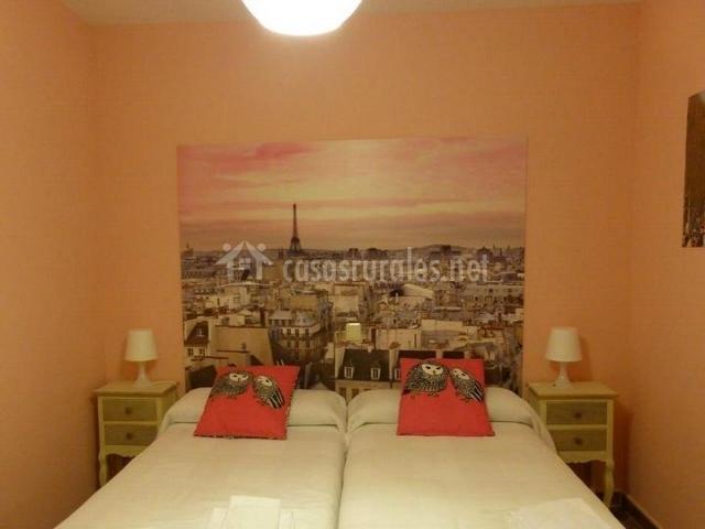 La casa del t o telesforo en trescasas segovia - Dormitorios con dos camas ...