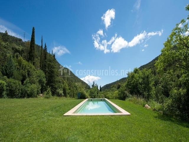 Casa masoveria en alcover tarragona for Piscina alcover