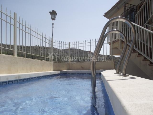 Casa 2 villa ngela en jorquera albacete for Barandilla piscina
