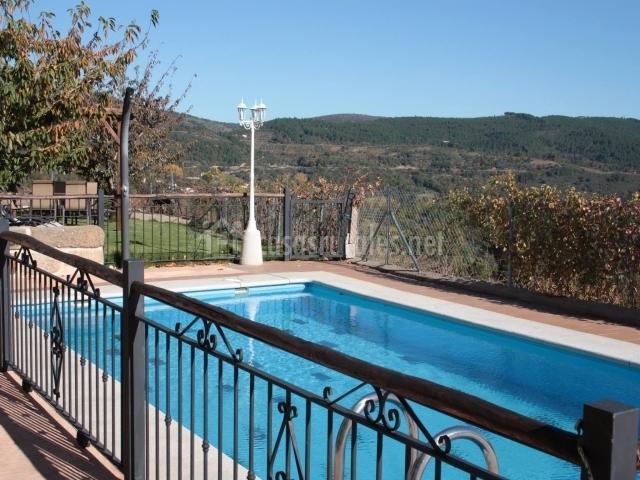 Casa rural el llanito i en villanueva del conde salamanca - Casa rural piscina interior ...