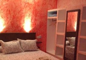 Dormitorio matrimonio en rojo