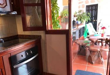 Cocina con salida a la terraza