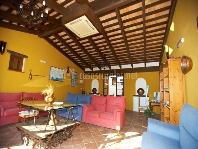 Hotel enrique calvillo en el bosque c diz for Registro bienes muebles cadiz