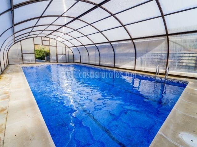 Vistas de nuestra piscina al completo