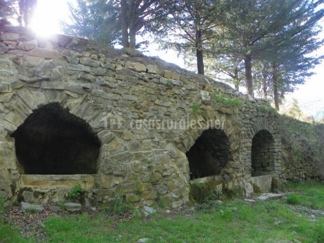 Zona de antiguas construcciones en Hoyocasero
