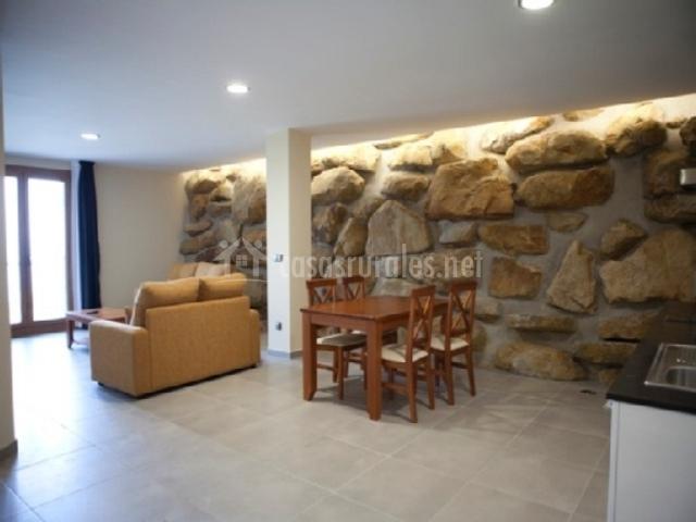 Itxaspe apartamentos en orio guip zcoa for Salon de piedra
