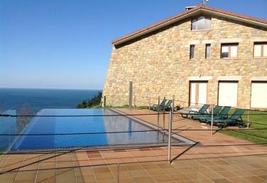 2 casas rurales m s baratas en orio - Casas rurales con piscina baratas ...