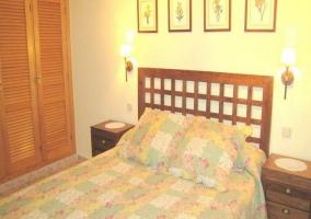 Amplios ventanales en dormitorio