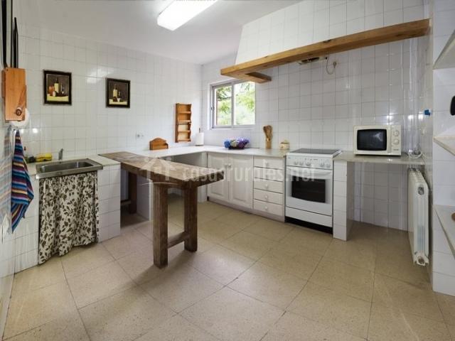 Casa oriental iris de paz en cereceda villamayor - La casa de las cocinas sevilla ...