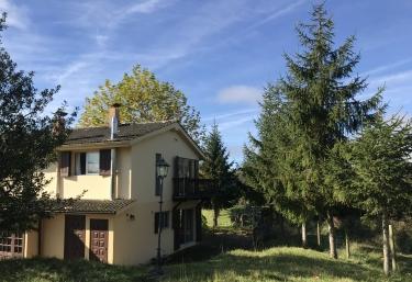 Casa Oriental - Iris de Paz - Cereceda (Villamayor), Asturias
