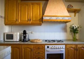 Cocina con campana extractora