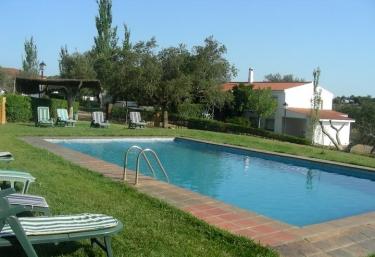 Casas rurales con piscina en extremadura p gina 10 for Hoteles rurales en extremadura con piscina