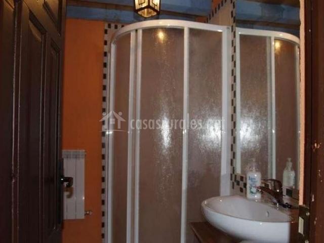 Casa el reloj en salobralejo vila - Ver cuartos de bano con plato de ducha ...