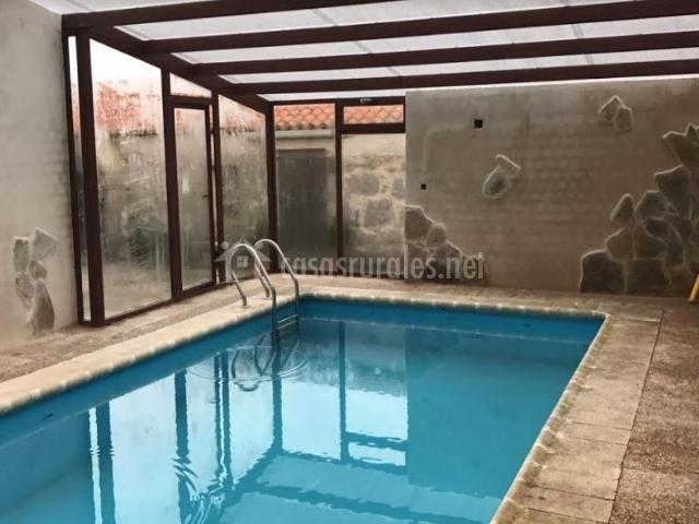 Casa el reloj en salobralejo vila for Casa rural piscina climatizada interior