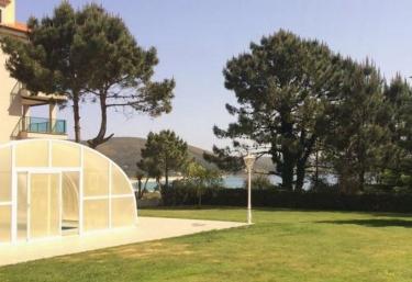 Casas rurales con piscina en fisterra santa maria for Casas rurales con piscina en alquiler