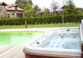 Jacuzzi y piscina
