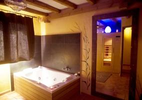 Hidromasaje y sauna, dos formas de relajarse