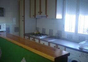 Mesa de comedor junto al salón