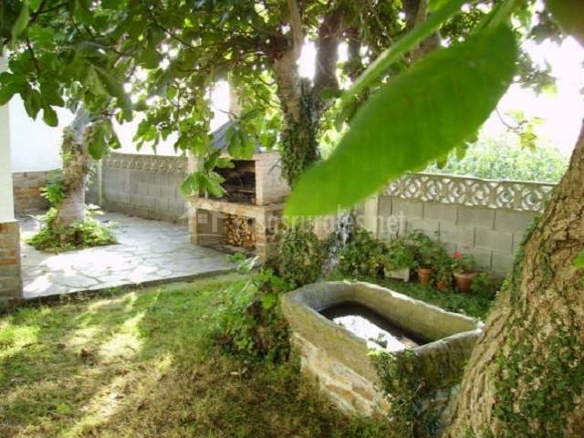 Casa de aldea en salcedo barres asturias - Jardin con barbacoa ...