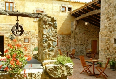 Agroturismo Sant Dionis - Campllong, Girona