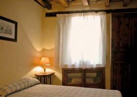 Habitación de matrimonio con ventana
