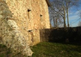 Jardín y vista exterior de la casa