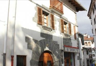 Aztieta - Pueblo Leiza/leitza, Navarra