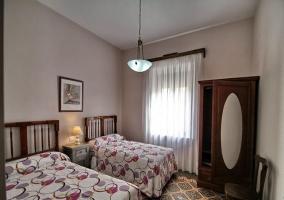 Habitación doble con armario de espejo