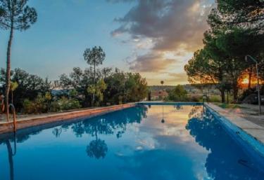Casas rurales con piscina en toledo for Casa rural para cuatro personas con piscina