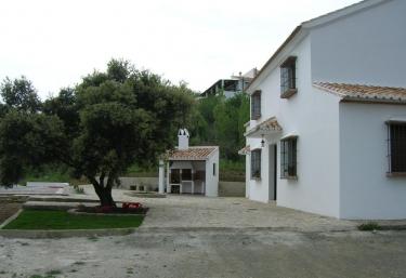 Casas rurales con barbacoa en riogordo - Casa rural banos de la encina ...