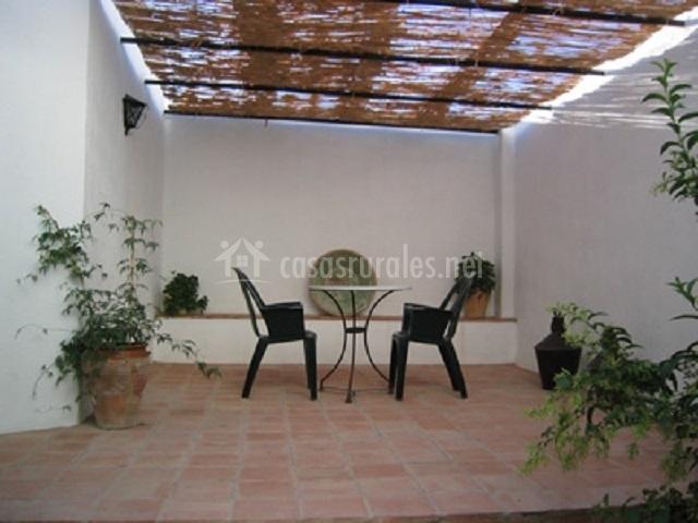 Casa del pilar en bedmar ja n for Casa muebles de jardin
