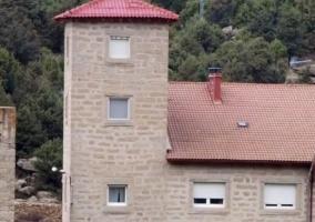 Vista exterior del torreón de la casa