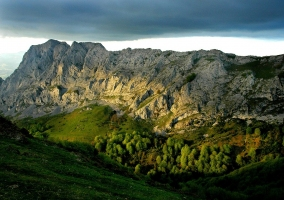 Montes en el Parque Natural de Urkiola