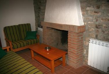 Cal Calderó - Montfalco Murallat, Lleida