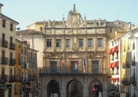 Vista del ayuntamiento de Cuenca