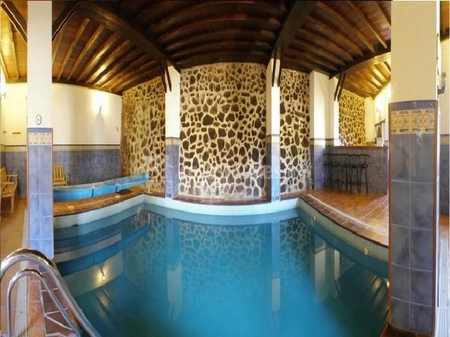 Casa altas vistas v en mecina bombaron granada for Casa rural piscina climatizada interior