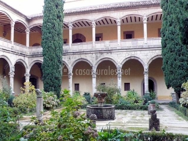 Patio interior del Monasterio de Yuste