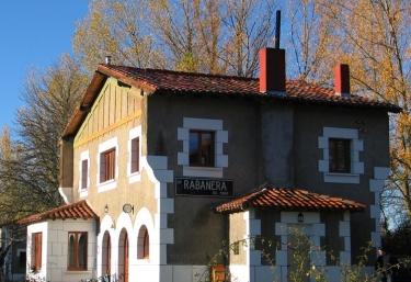 La Estación de Rabanera (Centro de Turismo Activo) - Rabanera Del Pinar, Burgos