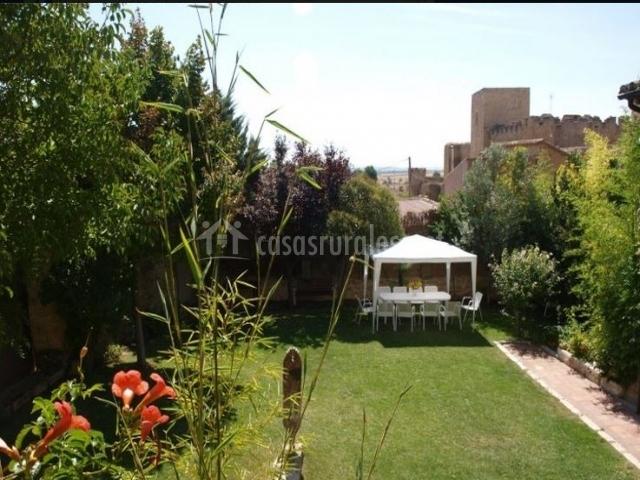 La casa del valle en trigueros del valle valladolid for Casa rural jardin del desierto tabernas