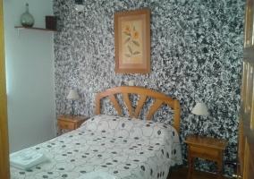 Dormitorio con toallas