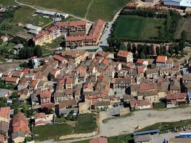 Vista del pueblo de Bernuy de Porreros