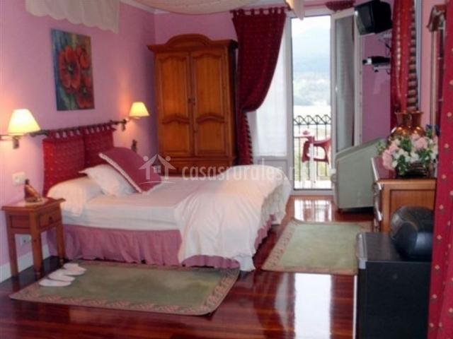 Suite 2 amplia con cama de matrimonio